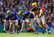 18 August 2019; Noel McGrath of Tipperary, centre, supported by team-mate Cathal Barrett, left, in action against Richie Leahy of Kilkenny during the GAA Hurling All-Ireland Senior Championship Final match between Kilkenny and Tipperary at Croke Park in Dublin. Photo by Piaras Ó Mídheach/Sportsfile