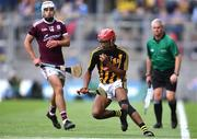 18 August 2019; Zach Bay Hammond of Kilkenny in action against Shane Morgan of Galway during the Electric Ireland GAA Hurling All-Ireland Minor Championship Final match between Kilkenny and Galway at Croke Park in Dublin. Photo by Piaras Ó Mídheach/Sportsfile