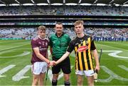 18 August 2019; Referee Patrick Murphy with team captains Ian McGlynn of Galway and James Aylward of Kilkenny before the Electric Ireland GAA Hurling All-Ireland Minor Championship Final match between Kilkenny and Galway at Croke Park in Dublin. Photo by Piaras Ó Mídheach/Sportsfile