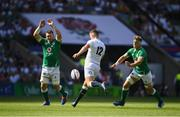 24 August 2019; Owen Farrell of England is charged down by Peter O'Mahony of Ireland during the Quilter International match between England and Ireland at Twickenham Stadium in London, England. Photo by Ramsey Cardy/Sportsfile