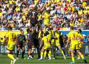 25 August 2019; Judicael Cancoriet of Clermont and Thomas Jolmes of La Rochelle compete for the Line-out during the LNR Top 14 match between ASM Clermont Auvergne and La Rochelle at Stade Marcel-Michelin in Clermont-Ferrand, France. Photo by Romain Biard/Sportsfile