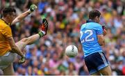 1 September 2019; Kevin McManamon of Dublin tries to prevent Kerry goalkeeper Shane Ryan from taking a kick-out in the last seconds of the game during the GAA Football All-Ireland Senior Championship Final match between Dublin and Kerry at Croke Park in Dublin. Photo by Piaras Ó Mídheach/Sportsfile