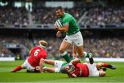 7 September 2019; Rob Kearney of Ireland escapes the tackle by Jonathan Davies of Wales on his way to scoring his side's first try during the Guinness Summer Series match between Ireland and Wales at Aviva Stadium in Dublin.Photo by Brendan Moran/Sportsfile