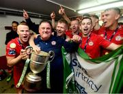 21 September 2019; Shelbourne players and kitman Johnny Watson celebrate with the SSE Airtricity League First Division cup following their SSE Airtricity League First Division match against Limerick FC at Tolka Park in Dublin. Photo by Stephen McCarthy/Sportsfile *** NO REPRODUCTION FEE ***
