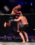 27 September 2019; Michael Page, left, knocks out Richard Kiely with a flying knee during their welterweight bout at Bellator Dublin in the 3Arena, Dublin. Photo by David Fitzgerald/Sportsfile