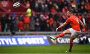 28 September 2019; JJ Hanrahan of Munster converts during the Guinness PRO14 Round 1 match between Munster and Dragons at Thomond Park in Limerick. Photo by Harry Murphy/Sportsfile