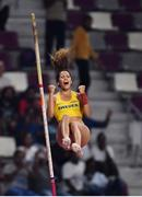 29 September 2019; Angelica Bengtsson of Sweden celebrates a clearance of 4.80m after borrowing a pole vaulting pole from Ninon Guillon-Romarin of France after hers broke whilst competing in the Women's Pole Vault Final during day three of the World Athletics Championships 2019 at the Khalifa International Stadium in Doha, Qatar. Photo by Sam Barnes/Sportsfile