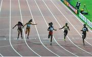 30 September 2019; Phil Healy of Ireland, second from left, dips for the line whilst competing in Women's 200m during day four of the World Athletics Championships 2019 at the Khalifa International Stadium in Doha, Qatar. Photo by Sam Barnes/Sportsfile