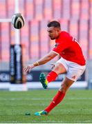 5 October 2019; JJ Hanrahan of Munster kicks a penalty during the Guinness PRO14 Round 2 match between Isuzu Southern Kings and Munster at Nelson Mandela Bay Stadium in Port Elizabeth, South Africa. Photo by Michael Sheehan/Sportsfile