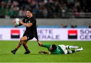 19 October 2019; Anton Lienert-Brown of New Zealand beats a tackle by Joey Carbery of Ireland during the 2019 Rugby World Cup Quarter-Final match between New Zealand and Ireland at the Tokyo Stadium in Chofu, Japan. Photo by Ramsey Cardy/Sportsfile