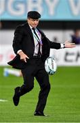 20 October 2019; Japan assistant coach Tony Brown during the warm-up prior to the 2019 Rugby World Cup Quarter-Final match between Japan and South Africa at the Tokyo Stadium in Chofu, Japan. Photo by Brendan Moran/Sportsfile