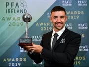 9 November 2019; PFA Ireland Irish Overseas Player of the Year Enda Stevens of Sheffield United is pictured with his award during the PFA Ireland Awards 2019 at The Marker Hotel in Dublin. Photo by Seb Daly/Sportsfile