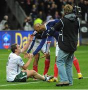 18 November 2009; Richard Dunne, Republic of Ireland, with Nicolas Anelka and Thierry Henry, left, France, after the game. FIFA 2010 World Cup Qualifying Play-off 2nd Leg, Republic of Ireland v France, Stade de France, Saint-Denis, Paris, France. Picture credit: Stephen McCarthy / SPORTSFILE