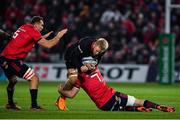 7 December 2019; Jackson Wray of Saracens is tackled by Peter O'Mahony of Munster during the Heineken Champions Cup Pool 4 Round 3 match between Munster and Saracens at Thomond Park in Limerick. Photo by Brendan Moran/Sportsfile