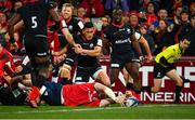 7 December 2019; Peter O'Mahony of Munster dives over to score his side's first try during the Heineken Champions Cup Pool 4 Round 3 match between Munster and Saracens at Thomond Park in Limerick. Photo by Seb Daly/Sportsfile