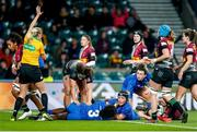 28 December 2019; Referee, Joy Neville, awards a try to Leinster scored by Daisy Earle, centre, during the Women's Rugby Friendly between Harlequins and Leinster at Twickenham Stadium in London, England. Photo by Matt Impey/Sportsfile