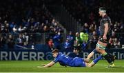 4 January 2020; Garry Ringrose of Leinster dives over to score his side's seventh try despite the efforts of Robin Copeland of Connacht during the Guinness PRO14 Round 10 match between Leinster and Connacht at the RDS Arena in Dublin. Photo by Sam Barnes/Sportsfile
