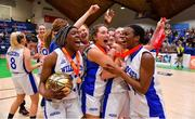 26 January 2020; Waterford United Wildcats players, from left, Debbie Ogayemi, Eva Daniels, captain Abby Flynn and Bami Olukayode celebrate with the cup after the Hula Hoops U20 Women's National Cup Final between Waterford Wildcats and UU Tigers at the National Basketball Arena in Tallaght, Dublin. Photo by Brendan Moran/Sportsfile