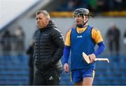 26 January 2020; Munster Rugby Elite Player Development Officer Greig Oliver with David Reidy of Clare prior to the Allianz Hurling League Division 1 Group B Round 1 match between Clare and Carlow at Cusack Park in Ennis, Clare. Photo by Diarmuid Greene/Sportsfile