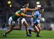 25 January 2020; Brian Fenton of Dublin gets away from Gavin O'Brien and Seán O'Shea, 11, of Kerry during the Allianz Football League Division 1 Round 1 match between Dublin and Kerry at Croke Park in Dublin. Photo by Ben McShane/Sportsfile