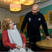 14 February 2020; Ita Fox with Scott Fardy of Leinster during a tour of the MS Ireland Care Centre in Dublin.  Photo by Ramsey Cardy/Sportsfile