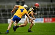 23 February 2020; Bill Sheehan of Kilkenny races past Jack Browne of Clare in the last seconds of the game only to shoot wide during the Allianz Hurling League Division 1 Group B Round 4 match between Kilkenny and Clare at UPMC Nowlan Park in Kilkenny. Photo by Ray McManus/Sportsfile