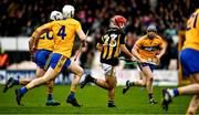 23 February 2020; Bill Sheehan of Kilkenny races through Clare players in the last seconds of the game only to shoot wide during the Allianz Hurling League Division 1 Group B Round 4 match between Kilkenny and Clare at UPMC Nowlan Park in Kilkenny. Photo by Ray McManus/Sportsfile