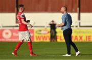 7 August 2020; St Patrick's Athletic head coach Stephen O'Donnell, right, speaks to Ian Bermingham prior to the SSE Airtricity League Premier Division match between St Patrick's Athletic and Finn Harps at Richmond Park in Dublin. Photo by Seb Daly/Sportsfile