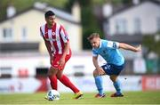 8 August 2020; Ryan De Vries of Sligo Rovers in action against Georgie Poynton of Shelbourne during the SSE Airtricity League Premier Division match between Sligo Rovers and Shelbourne at The Showgrounds in Sligo. Photo by Stephen McCarthy/Sportsfile