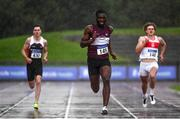 5 September 2020; Charles Okafor of Mullingar Harriers AC, Westmeath, centre on his way to winning the Junior Men's 200m event during the Irish Life Health National Junior Track and Field Championships at Morton Stadium in Santry, Dublin. Photo by Sam Barnes/Sportsfile