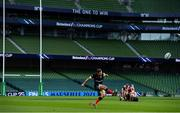 19 September 2020; Alex Goode of Saracens kicks a penalty during the Heineken Champions Cup Quarter-Final match between Leinster and Saracens at Aviva Stadium in Dublin. Photo by Brendan Moran/Sportsfile