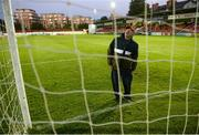 26 September 2020; Anto Maguire checks the nets prior the SSE Airtricity League Premier Division match between St Patrick's Athletic and Shelbourne at Richmond Park in Dublin. Photo by Stephen McCarthy/Sportsfile