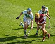 27 September 2020; Ollie Walsh of Dicksboro in action against TJ Reid, left, and Ronan Corcoran of Ballyhale Shamrocks during the Kilkenny County Senior Hurling Championship Final match between Ballyhale Shamrocks and Dicksboro at UPMC Nowlan Park in Kilkenny. Photo by Seb Daly/Sportsfile