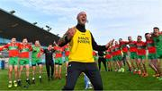 27 September 2020; Ballymun Kickhams coach Simon Lawlor leads the singing during the celebrations after the Dublin County Senior 1 Football Championship Final match between Ballyboden St Enda's and Ballymun Kickhams at Parnell Park in Dublin. Photo by Piaras Ó Mídheach/Sportsfile
