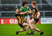 4 October 2020; Eoghan Ó Ceallaigh of Moycullen in action against Colin Murray, left, and Shane Moran of Mountbellew-Moylough during the Galway County Senior Football Championship Final match between Moycullen and Mountbellew-Moylough at Pearse Stadium in Galway. Photo by Seb Daly/Sportsfile