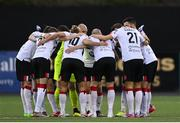 16 October 2020; Dundalk players huddle prior to the SSE Airtricity League Premier Division match between Dundalk and Bohemians at Oriel Park in Dundalk, Louth. Photo by Harry Murphy/Sportsfile