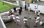 18 October 2020; Kildare manager Jack O'Connor talks to his players at half-time during the Allianz Football League Division 2 Round 6 match between Kildare and Cavan at St Conleth's Park in Newbridge, Kildare. Photo by Piaras Ó Mídheach/Sportsfile