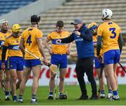 25 October 2020; Clare manager Brian Lohan speaks to his players ahead of the Munster GAA Hurling Senior Championship Quarter-Final match between Limerick and Clare at Semple Stadium in Thurles, Tipperary. This game also doubles up as the Allianz Hurling League Division 1 Final as the GAA season was shortened due to the coronavirus pandemic and both teams had qualified for the final. Photo by Daire Brennan/Sportsfile