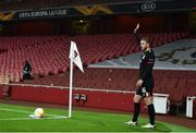 29 October 2020; Sean Murray of Dundalk prepares to deliver a corner kick during the UEFA Europa League Group B match between Arsenal and Dundalk at the Emirates Stadium in London, England. Photo by Ben McShane/Sportsfile