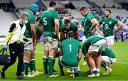 31 October 2020; Ireland captain Jonathan Sexton speaks to his team-mates after France scored their third try during the Guinness Six Nations Rugby Championship match between France and Ireland at Stade de France in Paris, France. Photo by Sportsfile