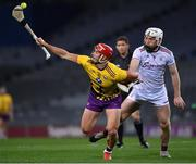 31 October 2020; Lee Chin of Wexford in action against Shane Cooney of Galway during the Leinster GAA Hurling Senior Championship Semi-Final match between Galway and Wexford at Croke Park in Dublin. Photo by Ray McManus/Sportsfile