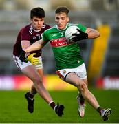 15 November 2020; Eoghan McLaughlin of Mayo in action against Paul Kelly of Galway during the Connacht GAA Football Senior Championship Final match between Galway and Mayo at Pearse Stadium in Galway. Photo by Ramsey Cardy/Sportsfile