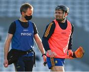 21 November 2020; Tony Kelly of Clare and Clare physio Brendan Hill prior to the GAA Hurling All-Ireland Senior Championship Quarter-Final match between Clare and Waterford at Pairc Uí Chaoimh in Cork. Photo by Harry Murphy/Sportsfile