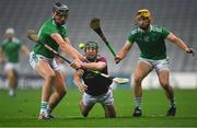29 November 2020; Fintan Burke of Galway in action against Gearóid Hegarty, left, and Tom Morrissey of Limerick during the GAA Hurling All-Ireland Senior Championship Semi-Final match between Limerick and Galway at Croke Park in Dublin. Photo by Piaras Ó Mídheach/Sportsfile