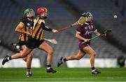 12 December 2020; Aoife Donohue of Galway gets past Miriam Walsh, left, and Kellyann Doyle of Kilkenny during the Liberty Insurance All-Ireland Senior Camogie Championship Final match between Galway and Kilkenny at Croke Park in Dublin. Photo by Piaras Ó Mídheach/Sportsfile