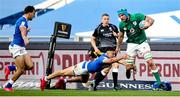 27 February 2021; Tadhg Beirne of Ireland makes a break during the Guinness Six Nations Rugby Championship match between Italy and Ireland at Stadio Olimpico in Rome, Italy. Photo by Roberto Bregani/Sportsfile
