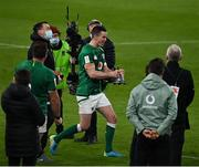 20 March 2021; Ireland captain Jonathan Sexton celebrates with the Millennium trophy after the Guinness Six Nations Rugby Championship match between Ireland and England at Aviva Stadium in Dublin. Photo by Brendan Moran/Sportsfile