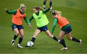 7 April 2021; Heather Payne, centre, with Florence Gamby, right, and Lilly Agg, left, during a Republic of Ireland training session at Tallaght Stadium in Dublin. Photo by Stephen McCarthy/Sportsfile