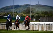 22 May 2021; Pinar Del Rio, with Billy Lee up, centre, race alongside eventual second, Thunder Eclipse, with Chris Hayes up, right, and eventual third, Barud, with Colin Keane up, on their way to winning the Tally Ho Stud Irish EBF Maiden during day one of the Tattersalls Irish Guineas Festival at The Curragh Racecourse in Kildare. Photo by David Fitzgerald/Sportsfile