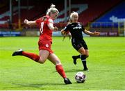 29 May 2021; Saoirse Noonan of Shelbourne in action against Nicola Sinnott of Wexford Youths during the SSE Airtricity Women's National League match between Shelbourne and Wexford Youths at Tolka Park in Dublin. Photo by Piaras Ó Mídheach/Sportsfile